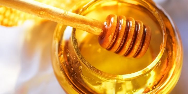 7 Foods the Human Body Loves and Needs Honey