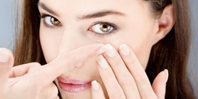 7 Safety Tips For Those Who Wear Contact Lenses