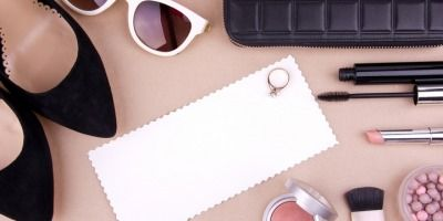 5 Essentials That You Should Have in Your Purse