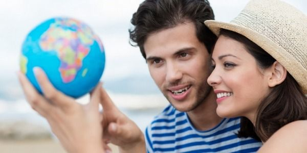 4 Things Men Must Know Before Hooking up with Women Who Travel