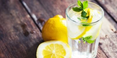 5 Benefits of Drinking Lemon Water