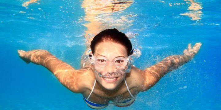 контактные линзы и вода