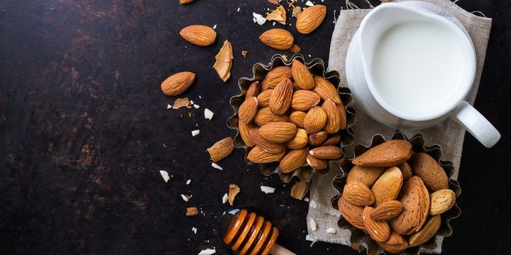 11 Slimming Foods for All Dieters Almonds