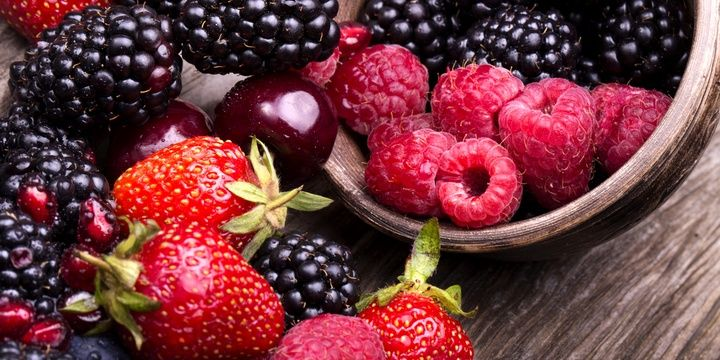 5 Foods That Every Diabetic Needs Berries