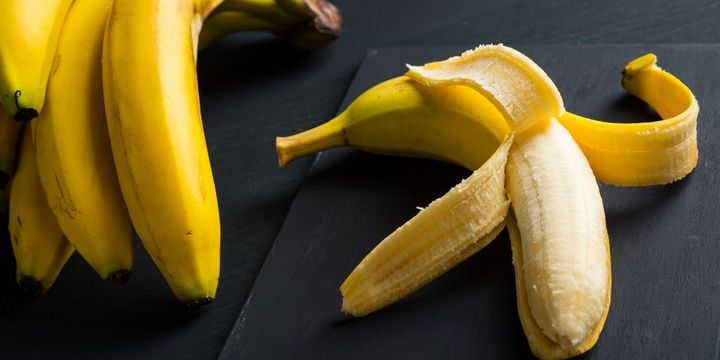 5 Smart Hints to Help You Do Professional Cleaning Banana peels for polishing leather furniture