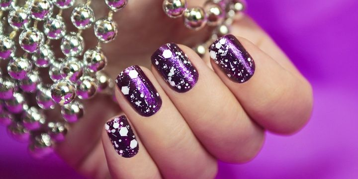 5 Tips to Use When Painting Your Nails Glitter polish can be removed with a cotton ball