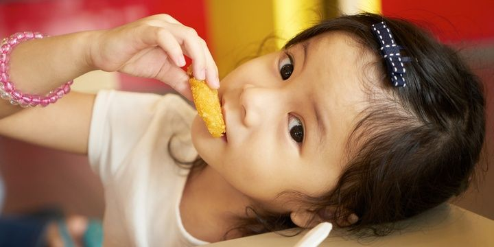 5 Ways to Prevent Allergies in Children Find out how allergic the baby is to foods